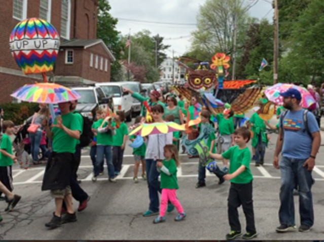 Children_and_the_Arts_Parade_in_Peterborough_NH copy